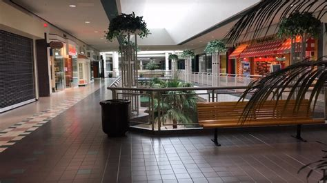 Watch these soothing tours of barely-open malls / Boing Boing