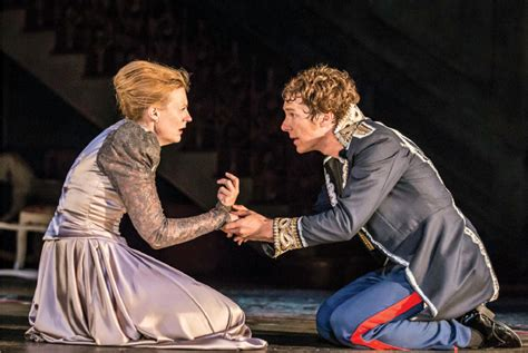 Cumberbatch is an incredible Hamlet: review | Toronto Star