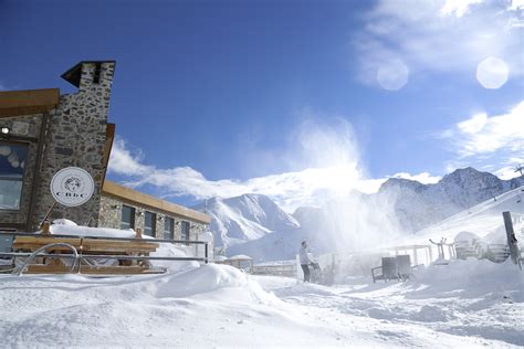 Pas de la Casa live webcams in Andorra, get the snow report